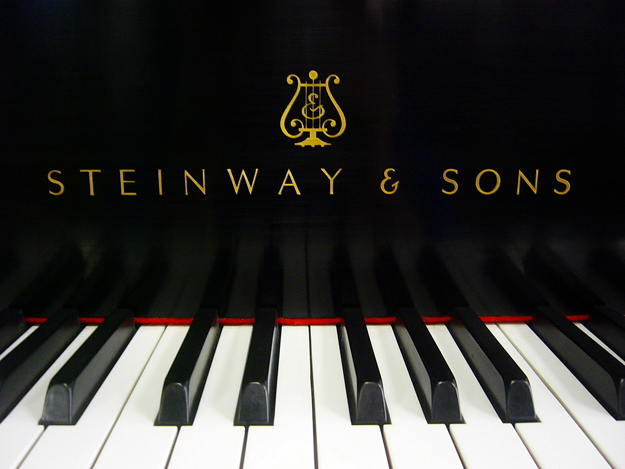 Dr Graves Inducted Into Steinway Sons Hall Of Fame
